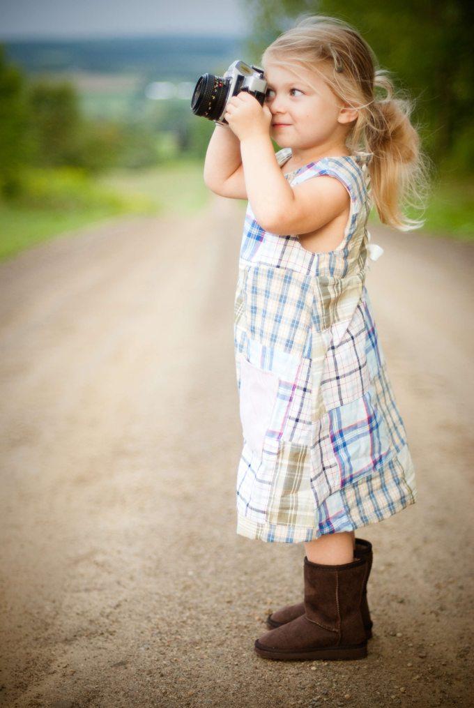 blonde-camera-child-189857